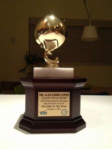 Troféu de Melhor Professor do Ano. Cortesia Alexandre Lopes.